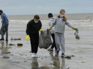 Limpiamos la playa